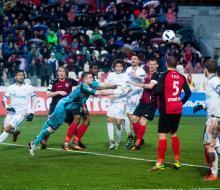«Зенит» в серии пенальти обыграл «Амкар» и вышел в финал Кубка России